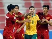 """Bóng đá - Cầu thủ U23 Australia suýt """"tẩn"""" học trò HLV Miura"""