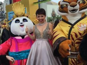 Giải trí - Tóc Tiên gợi cảm bên dàn sao 'Kungfu Panda 3' tại Mỹ