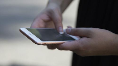 Apple đang sửa lỗi hiển thị % pin trên iPhone 6S và 6S Plus - 1