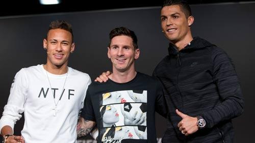 """Ibra """"chung mâm"""" với Pele, vượt xa Messi & Ronaldo - 2"""