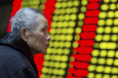 Kinh tế Trung Quốc tăng trưởng thấp nhất trong 25 năm - 1