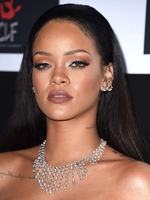 Chia tay bạn gái siêu mẫu, Leonardo lại cặp kè Rihanna - 2