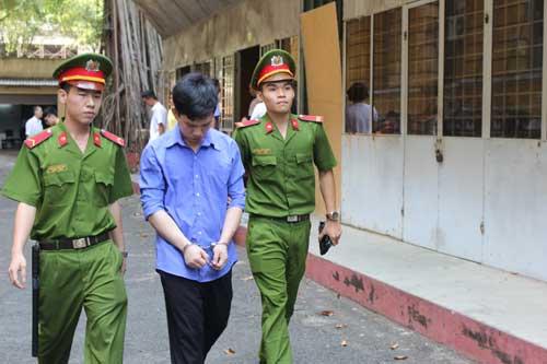 Cướp 300 nghìn đồng, nam thanh niên lĩnh 10 năm tù - 1