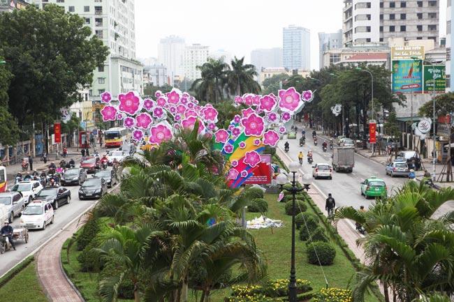 Ảnh: Thủ đô tràn ngập sắc màu đón năm mới - 3