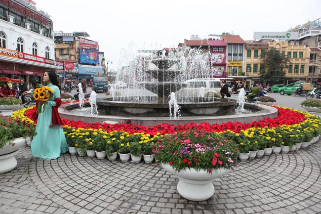Ảnh: Thủ đô tràn ngập sắc màu đón năm mới - 2