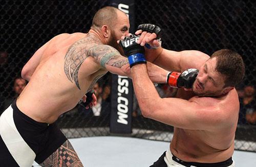"""UFC: Bạn trai """"Nữ hoàng UFC"""" đấm đối thủ """"lồi mắt"""" - 2"""