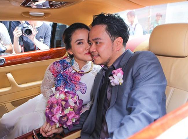Hôm qua, ngày 18.1, lễ rước dâu của người mẫu, diễn viên Trang Nhung đã diễn ra tại quận Phú Nhuận, TP.HCM.