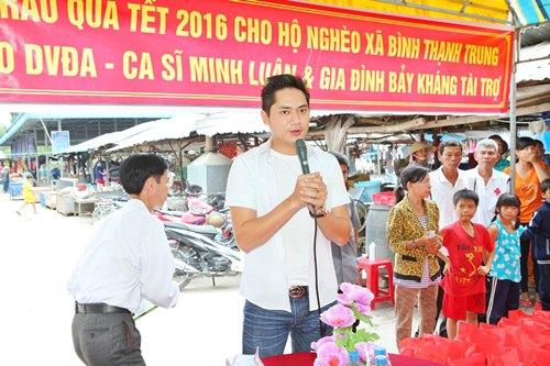 Minh Luân đưa bố mẹ đi làm từ thiện - 6
