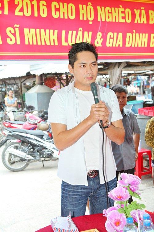 Minh Luân đưa bố mẹ đi làm từ thiện - 7