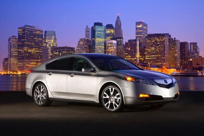 14. 2010 Acura TL SH-AWD   Thời gian tăng tốc từ 0-96km/h trong 5.2 giây