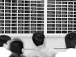 Chứng khoán thê thảm đầu năm: Yếu tố nào đang chi phối?