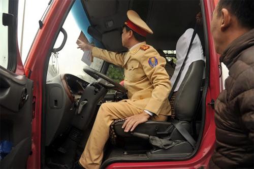 Xe ô tô phục vụ Đại hội Đảng XII mang biển số riêng - 1