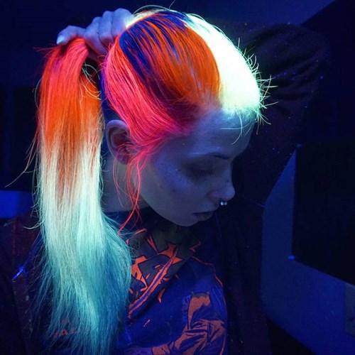 Giới trẻ toàn cầu đua nhau nhuộm tóc phát sáng - 1