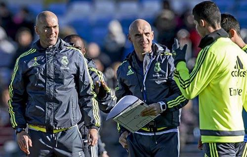 """Zidane & nghệ thuật """"Đắc nhân tâm"""": Thu phục kiêu binh - 2"""