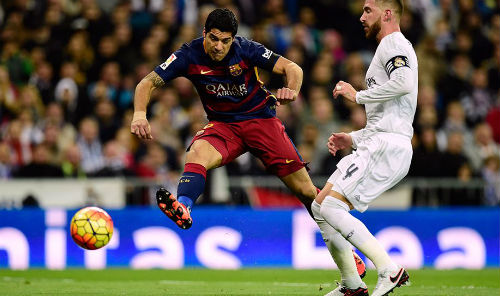 """Suarez & hành trình trở thành """"số 9"""" hoàn hảo ở Barca - 2"""
