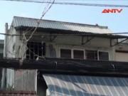 Video An ninh - Giải cứu 2 mẹ con mắc kẹt trong ngôi nhà bốc cháy