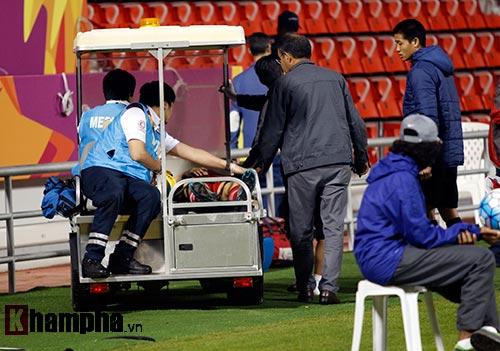 U23 Việt Nam: Công Phượng phải nhập viện khẩn cấp - 9