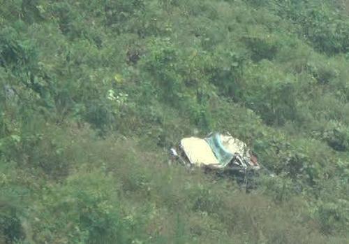Ô tô rơi xuống vực, 6 người thương vong ở Cao Bằng - 1