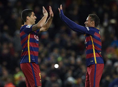 Ozil – Giroud ăn ý  chỉ sau Suarez- Neymar - 2
