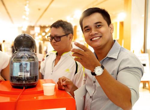 Café tất niên cùng Hà Anh, Hoàng Thùy - 1