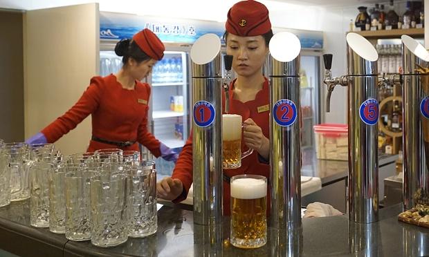 Triều Tiên tuyên bố sản xuất được loại rượu uống không say - 1