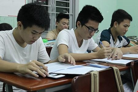 Lo lắng tổ chức ôn thi tốt nghiệp THPT - 1