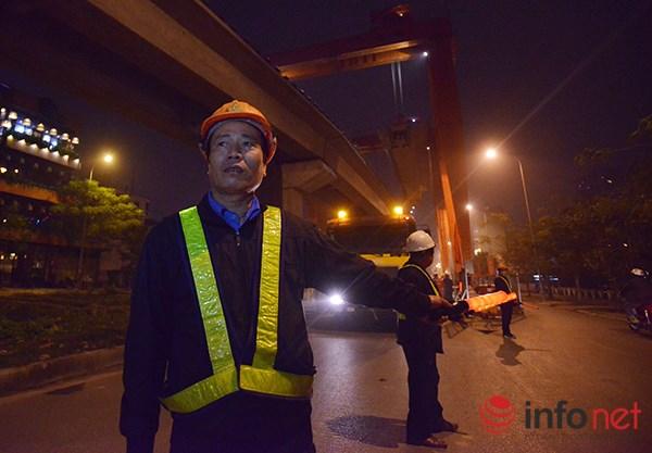 HN: Cận cảnh màn lao dầm đường sắt trên cao qua hồ Hoàng Cầu - 5