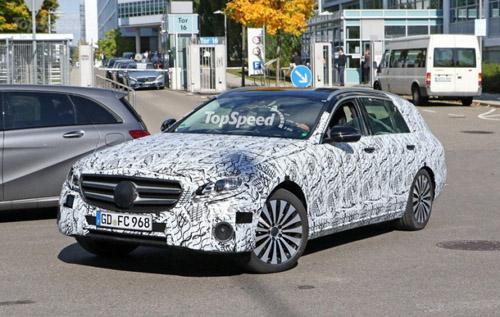 Mercedes-Benz E- Class Wagon 2017 lộ diện - 2