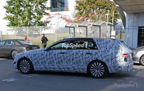 Mercedes-Benz E- Class Wagon 2017 lộ diện - 3