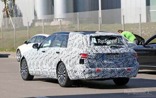 Mercedes-Benz E- Class Wagon 2017 lộ diện - 4