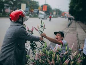 Bạn trẻ - Cuộc sống - Nhóm bạn trẻ 'giải cứu' hoa ly gây quỹ từ thiện