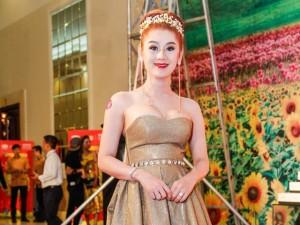 Lâm Chi Khanh ngày càng gợi cảm, nữ tính