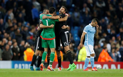 Ngoại hạng Anh trước vòng 23: Bại binh phục hận - 2