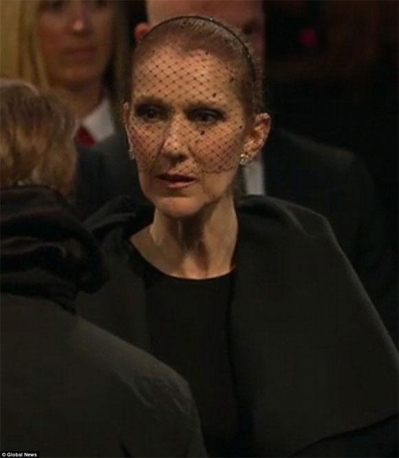 Celine Dion đẫm nước mắt trong đám tang chồng - 1