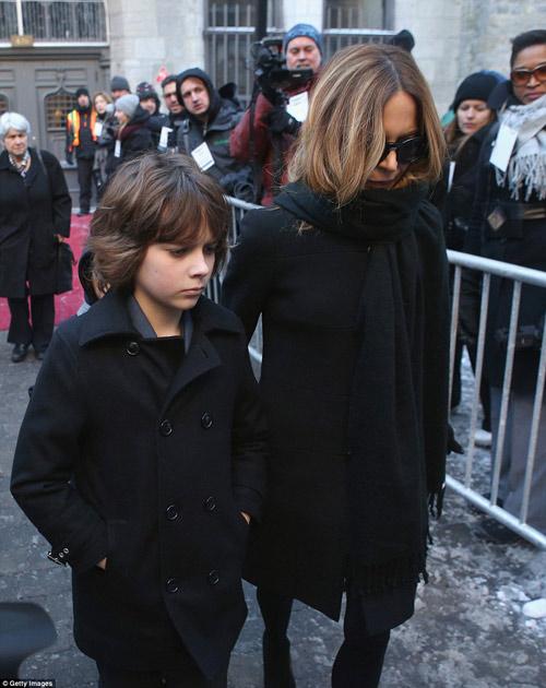 Celine Dion đẫm nước mắt trong đám tang chồng - 10