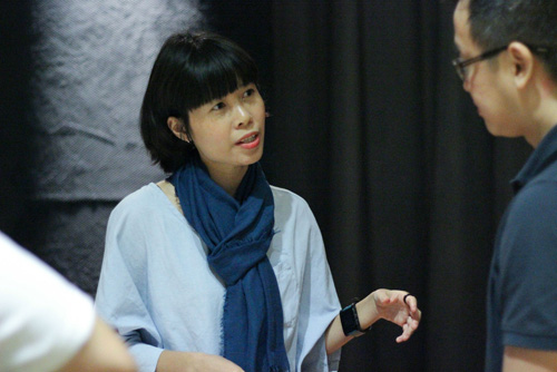 Na Sơn, Maika Elan rủ nhau làm giám khảo cuộc thi ảnh - 1