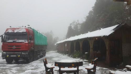 Lào Cai ra công điện khẩn ứng phó với mưa tuyết - 1