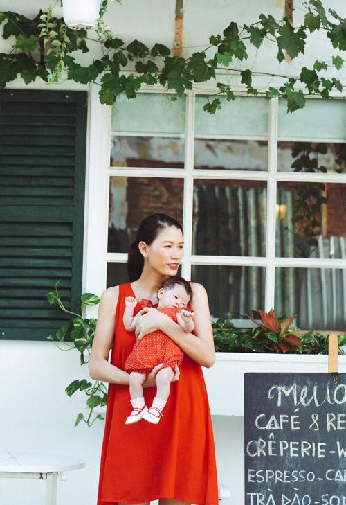 Trang Trần hé lộ những cực khổ khi chăm con một mình - 10
