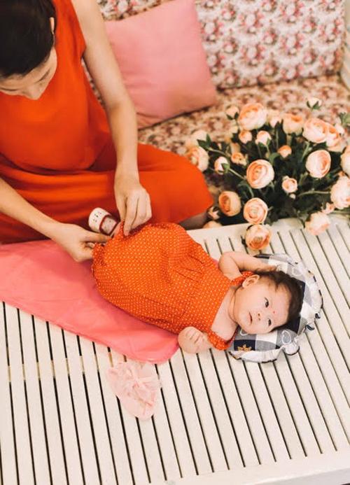 Trang Trần hé lộ những cực khổ khi chăm con một mình - 6