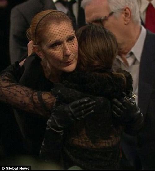 Celine Dion nghẹn ngào cảm ơn fan đến tiễn biệt chồng - 3