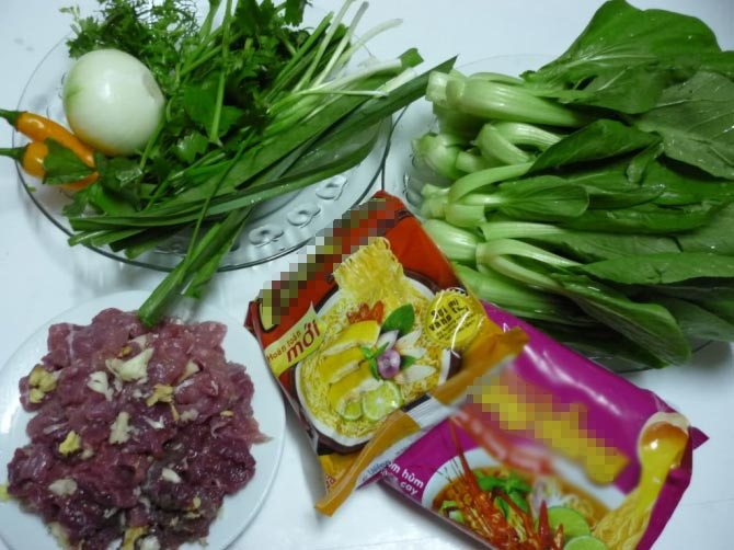 Ngon xuýt xoa mỳ xào thịt bò, rau cải - 1
