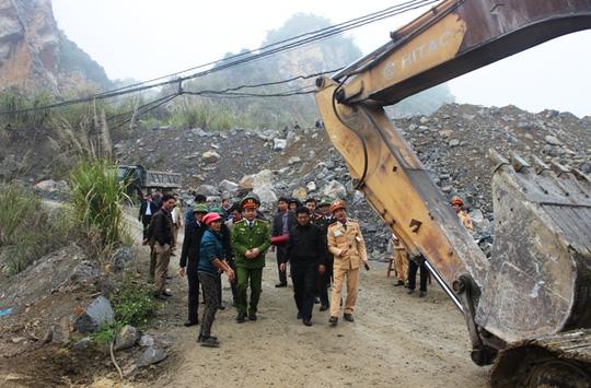 Đã có 5 người chết trong vụ sập mỏ đá ở Thanh Hóa - 2