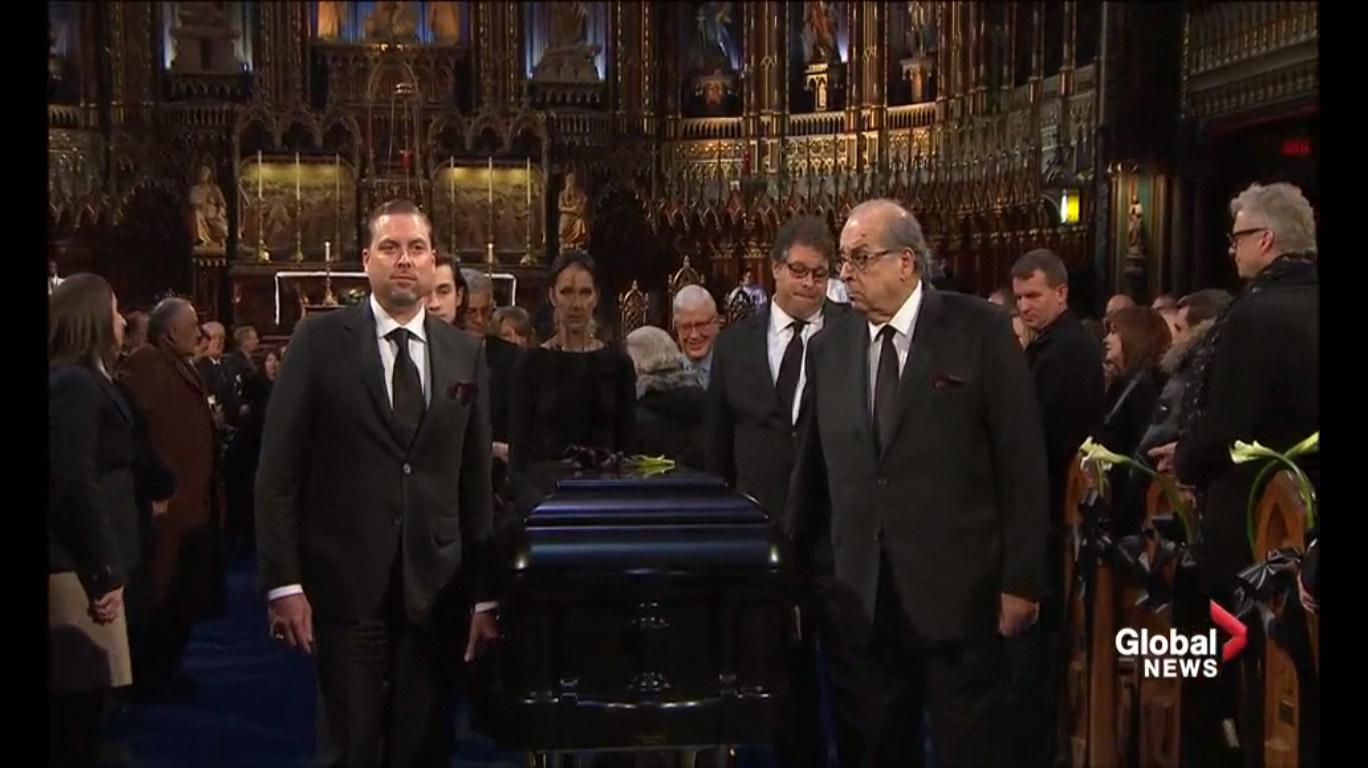 Celine Dion tháo nhẫn cưới, rơi lệ vĩnh biệt chồng - 12