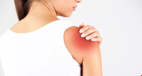 Đau tay có thể là dấu hiệu đau tim, nghẽn mạch máu - 1