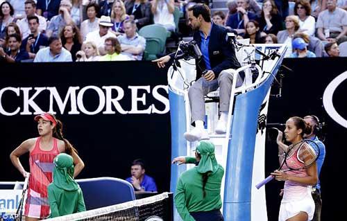 Australian Open ngày 6: Bố vợ Murray ngất xỉu, Ivanovic hoảng hồn - 3