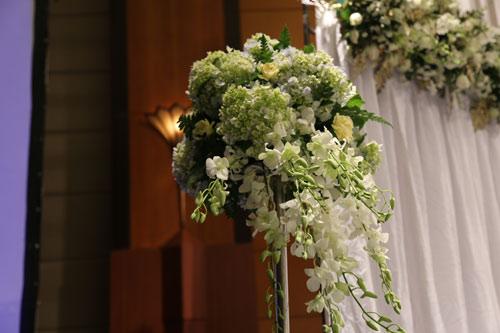 Trang Nhung quyến rũ trong tiệc cưới ngày đông Hà Nội - 13