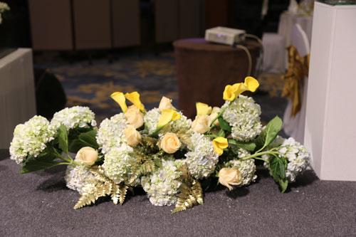 Trang Nhung quyến rũ trong tiệc cưới ngày đông Hà Nội - 12