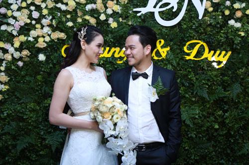 Trang Nhung quyến rũ trong tiệc cưới ngày đông Hà Nội - 6