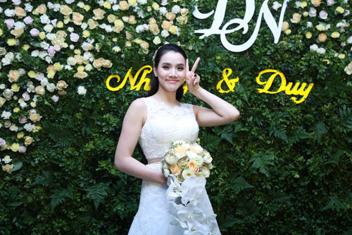 Trang Nhung quyến rũ trong tiệc cưới ngày đông Hà Nội - 5