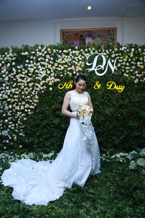 Trang Nhung quyến rũ trong tiệc cưới ngày đông Hà Nội - 4